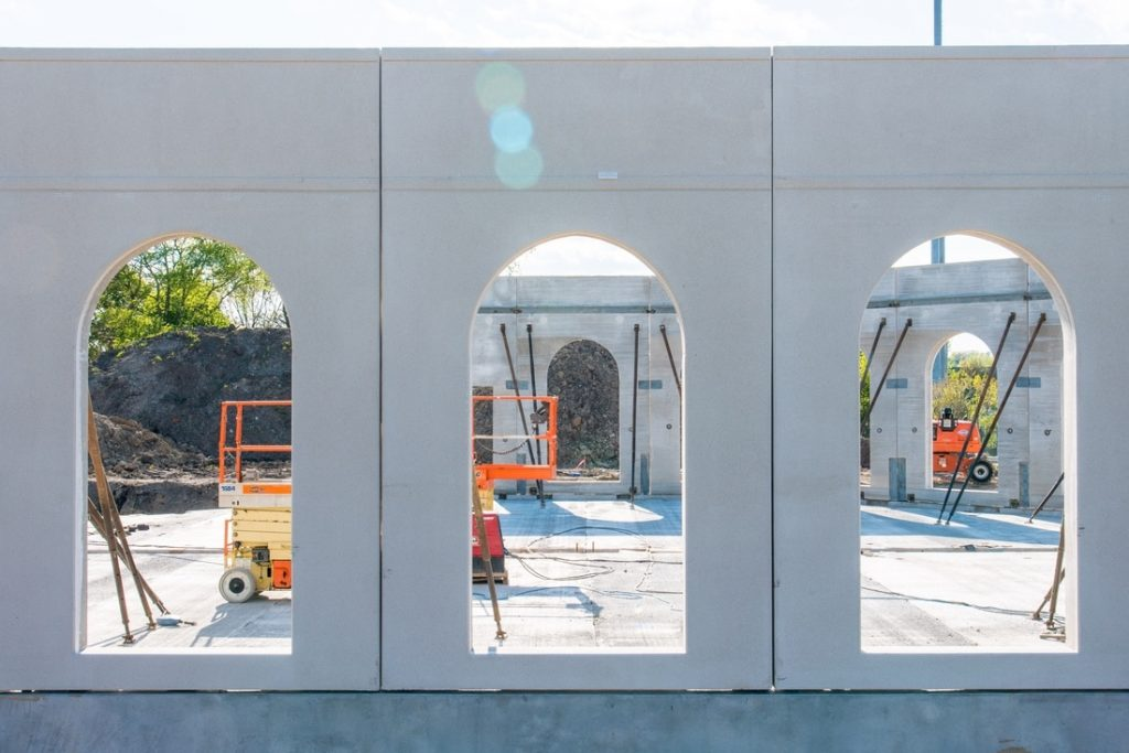 May 5, 2017: The first floor precast wall panels of the prayer hall are installed.