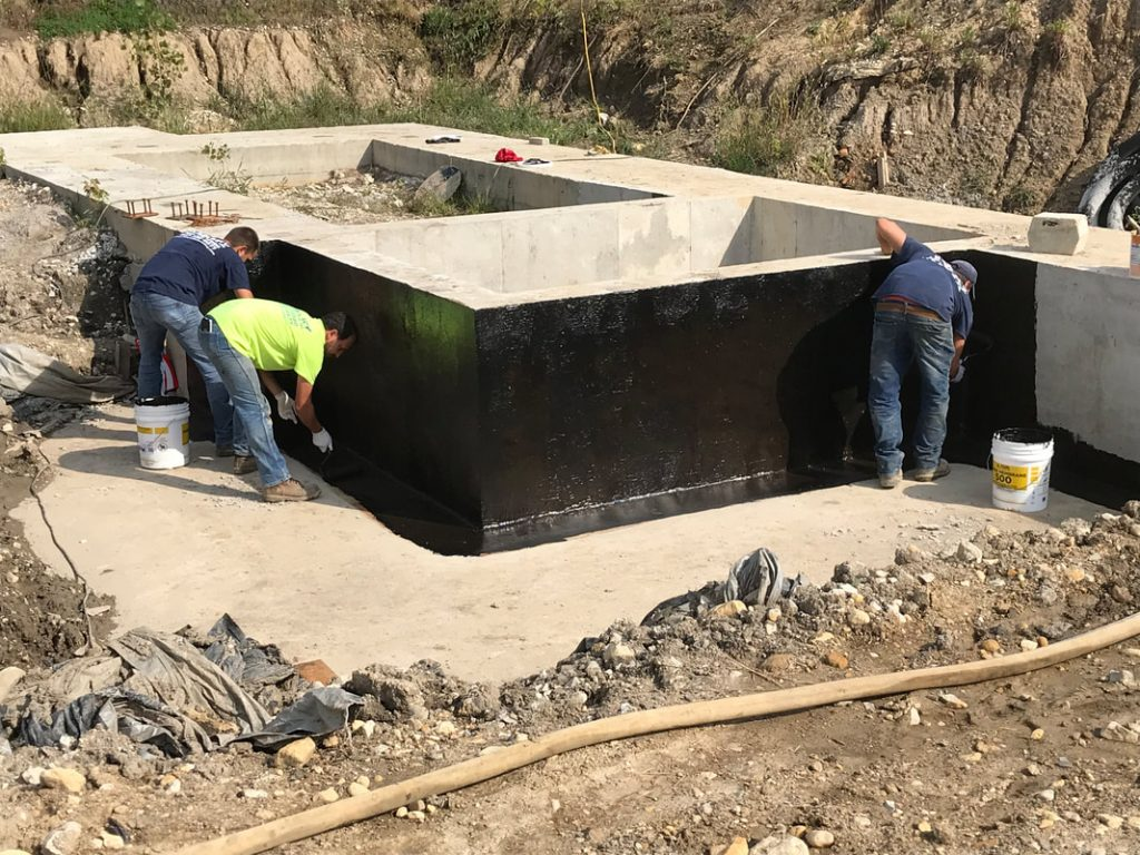 August 31, 2018: The elevator pit is coated with waterproofing material. This is the deepest part of the structure where underground water pressure is high.